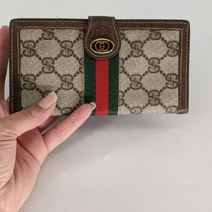 Gucci Phone Holder & Bi-fold Wallet 2pc Set Mint❣️